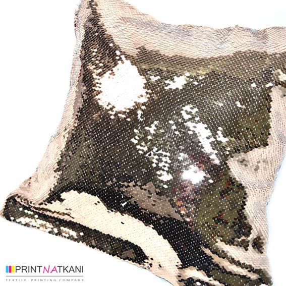 Подушка из пайеток с рисунком