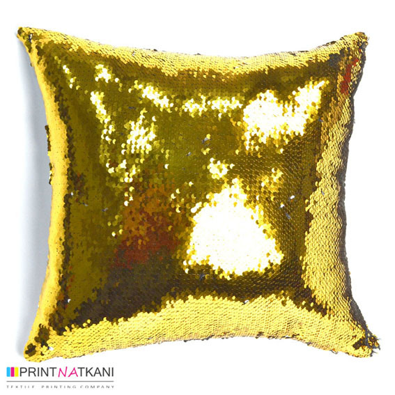 Золотая подушка с пайетками